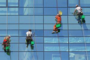 Технология мойки фасадов зданий
