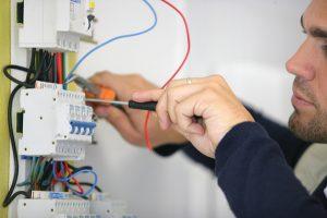 В каких случаях проводится проверка технической эксплуатации зданий