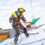 Требования и правила очистки крыш от наледи